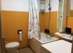 bathroom in colonno