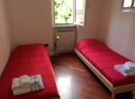 two single beds in carate urio
