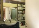 bathroom apt for sale