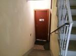 entrance apt for rent