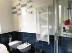 bathroom house for sale lake como