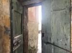 20_2 old door