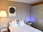 20_-Double-bedroom-great-house-Lake-Como-850x570