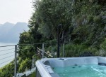 Villa-on-Lake-Como-Jacuzzi-and-view-850x570
