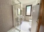 bath with shower argegno