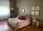 double bedroom villa for sale lake como